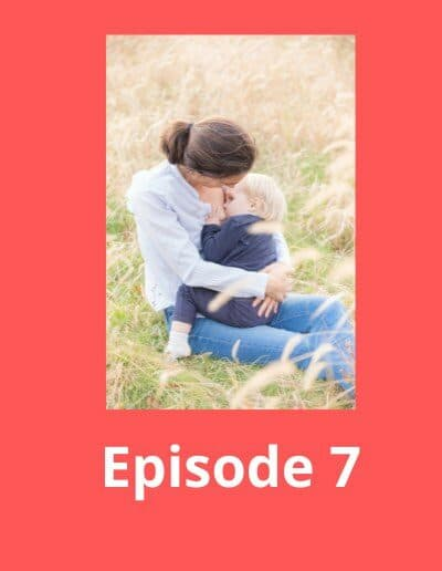 Image montrant une maman allaitante pour illustré le podcast sur le sommeil de bébé.
